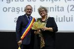 Cetăţean de onoare Cluj 2017 _ http://www.irinapetras.ro/Poze/carti/Cu_primarul.jpg